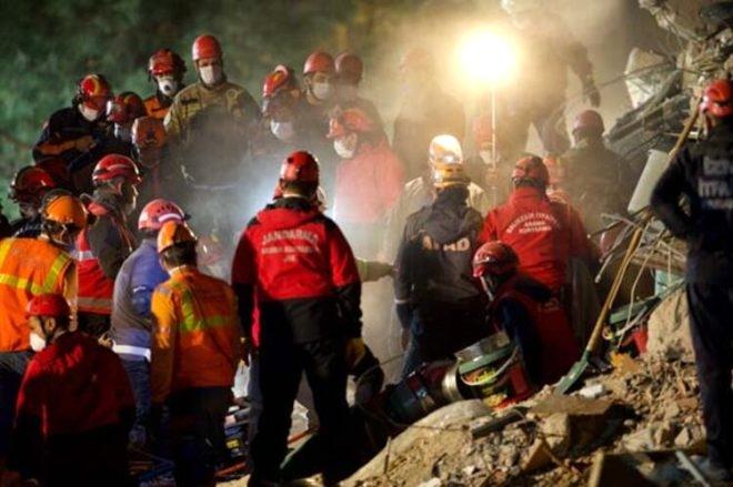 İzmir depreminde mucize kurtuluşlar 5