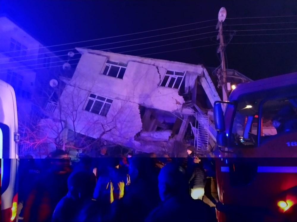 Elazığ deprem sonrası çarpıcı görüntüler 1