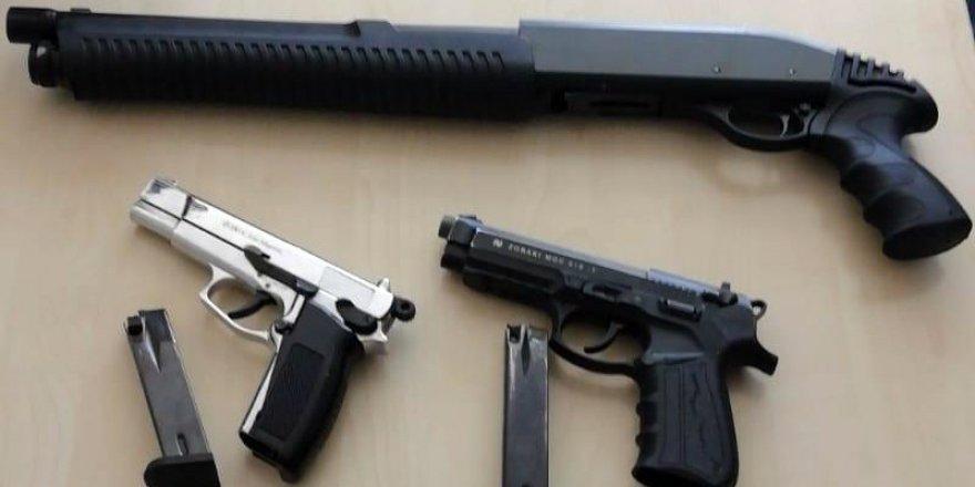 Ceyhan'da darp ihbarı üzerine harekete geçen polis uyuşturucu ticareti ile karşılaştı