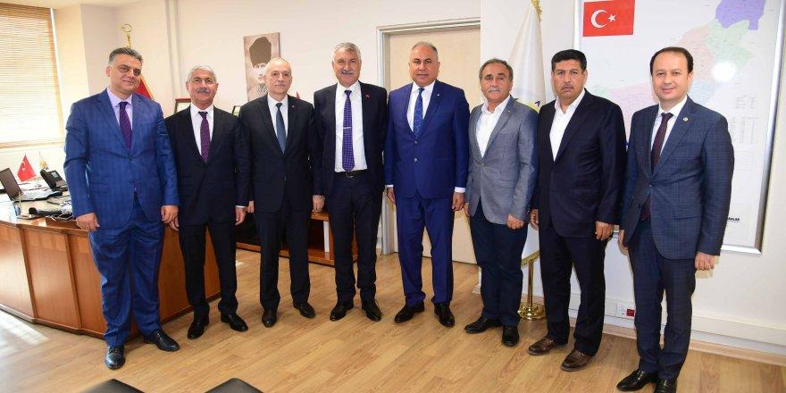 Karalar, Adana Ticaret Borsası Başkanı ile görüştü