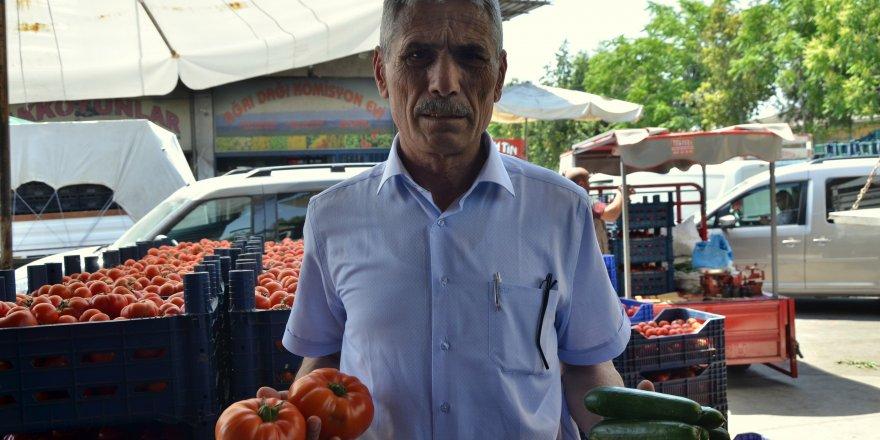 Domates ve salatalık fiyatı Adanada 1 liraya düştü
