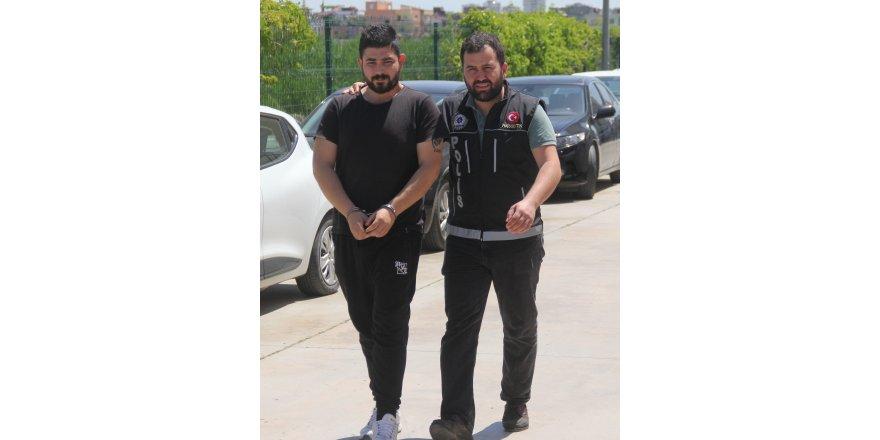 """Uyuşturucu sattığı iddiasıyla gözaltına alınan şüpheli: """"Müzisyenim, saksafon çalıyorum"""""""