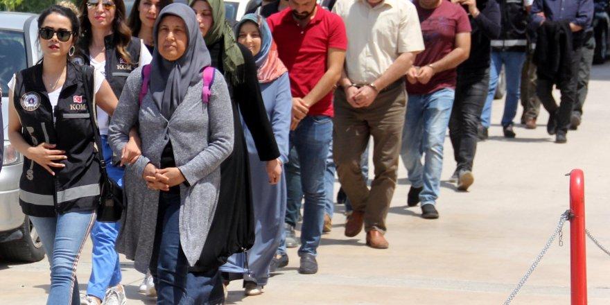 Adana merkezli FETÖ operasyonunda 3 kişi tutuklandı