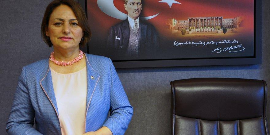 CHP Adana Millet Vekili Müzeyyen Şevkin kanser hastalarının sorunlarını gündeme taşıdı