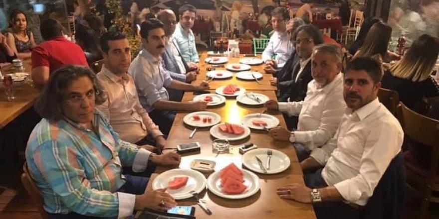 Adana'da yaşayan Bingöllü hemşehriler iftar yemeğinde buluştu