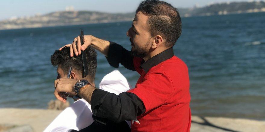 Çılgın Berber Ahmet Ocak'tan hareket halindeki motosiklette tıraş
