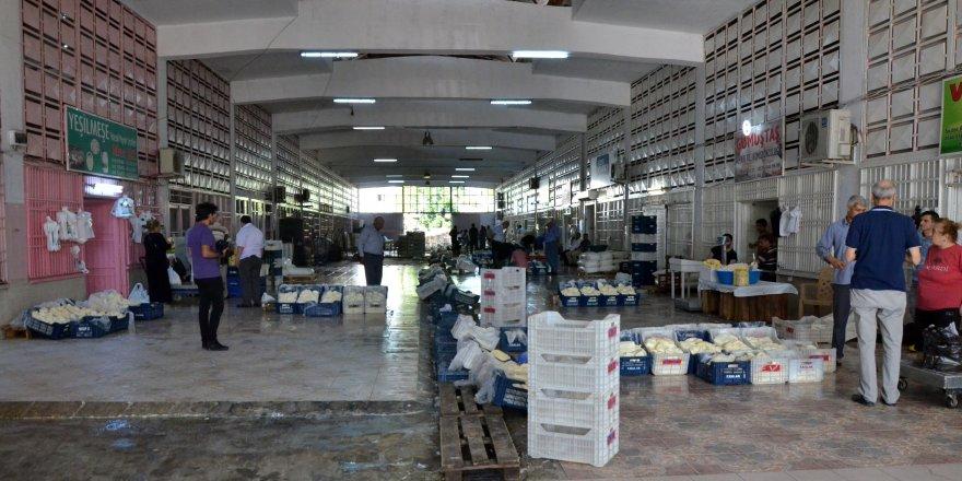 Adanalılar doğal peynir için Yüreğir Hali'ne akın ediyor