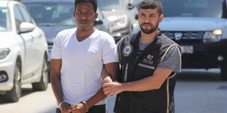FETÖnün 'Afrikalı öğrenciler sorumlusu' sınır dışı edildi