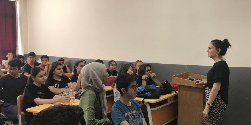 Öğrencilere sınav stresini yenme konusunda destek