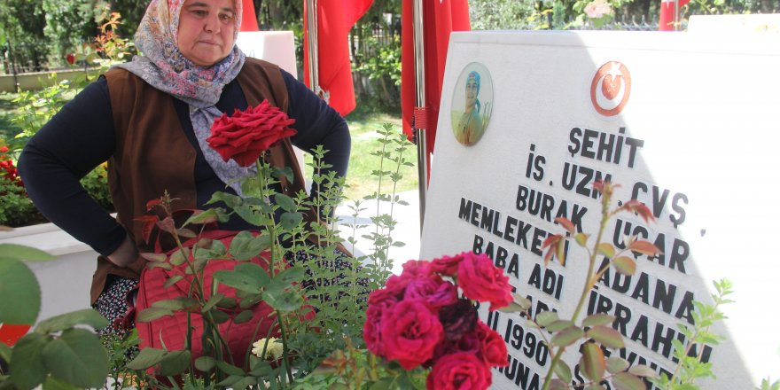 """Şehit annesi: """"Ölmek benim hakkımdı, o bana gelecekti ben ona geldim"""""""